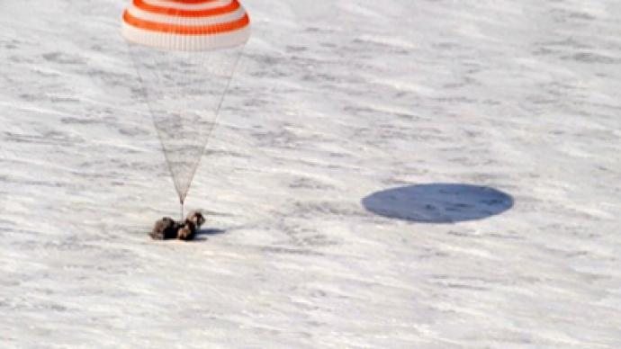 Soyuz spacecraft brings orbit-wanderers home