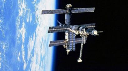 Cosmonauts prepare for blast-off amid safety concerns
