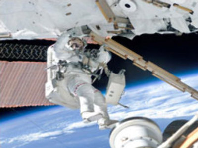 Space walk cut short due to equipment problem