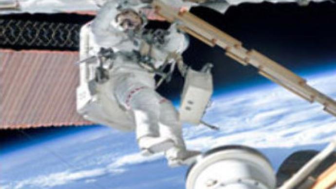 Space walk cut short due to equipment problem
