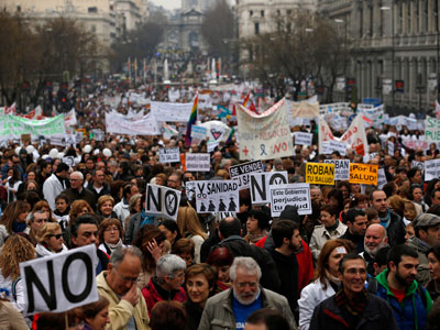 Spain takes to streets in tens of thousands against unemployment, economic scandals (VIDEO, PHOTOS)