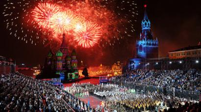 March in November – Red Square parade re-enacted 70 years on