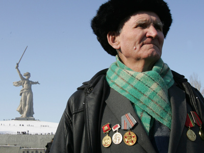 Fountain symbolic of Stalingrad battle restored for 70th anniversary