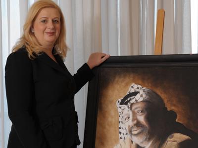 Arafat's widow sets record straight on Russian analysis of husband's body