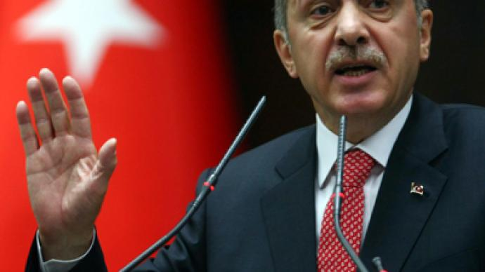 Turkish PM vows to help 'liberate Syria from dictatorship'