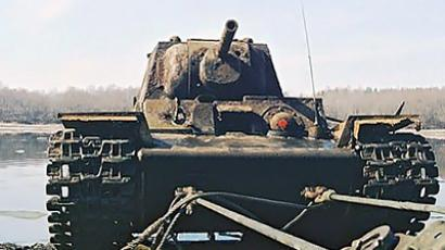 WWII tank recovered from riverbed (VIDEO)