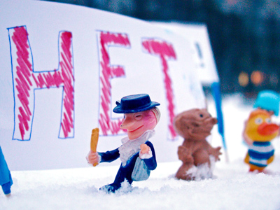 Toys rally against fraud: 'nano-protest' in Russia