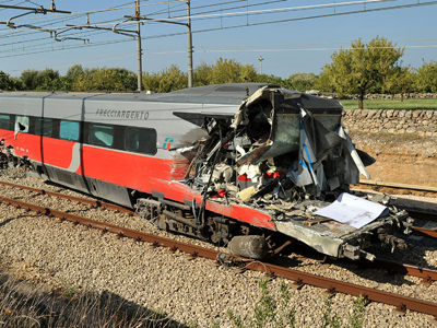 Need for speed: Swedish cleaning lady steals train, crashes into house (PHOTO, VIDEO)