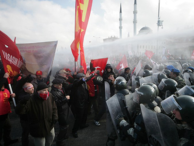 Riots, barricades, street battles as police fight protesters in Turkey (VIDEO, PHOTOS)