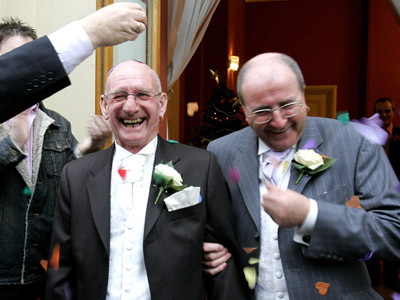 Gay rights bill: French National Assembly approves redefining marriage