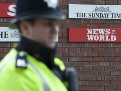 Murdoch's multibillion deal under threat after phone hacking scandal
