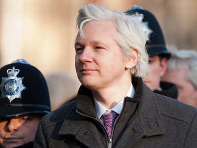 Australia calls WikiLeaks 'irresponsible,' delays Assange-related cables publication