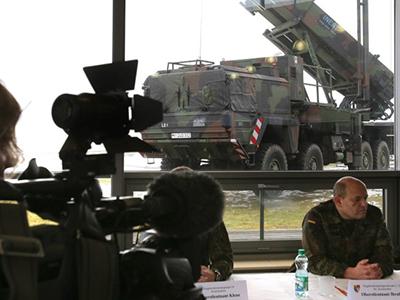 US Patriot missile battery crews arrive in Turkey