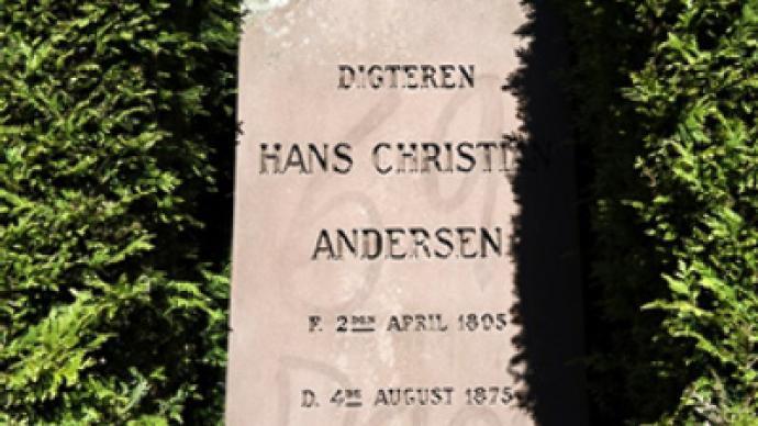 Vandals target Hans Christian Andersen tomb