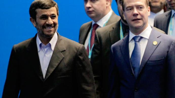 Ahmadinejad says Iran doesn't plan to obtain nukes