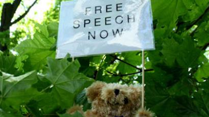 Golden teddy-bear pic: Belarusian journos severely fined defending free speech