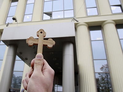 Church, activists at odds over bill on insults to believers
