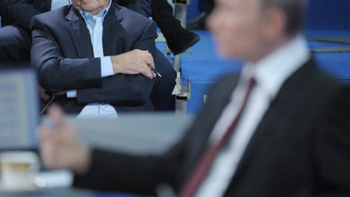 Putin election HQ: Medvedev 'not helpful enough'