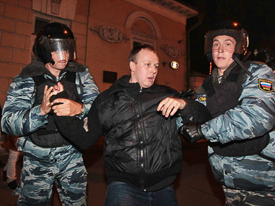 Jailed protester Mokhnatkin gets presidential pardon