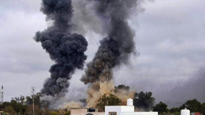 Gaddafi forces shell rebels' last western stronghold