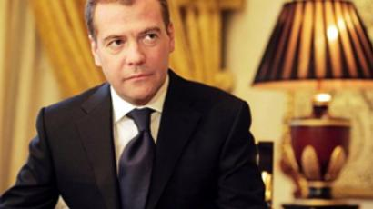 Medvedev urges not to turn back on Soviet projects