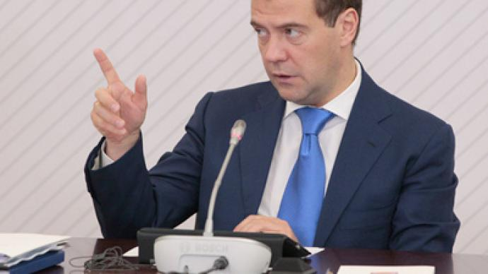 Medvedev notes points of progress,  shortcomings in modernizing healthcare