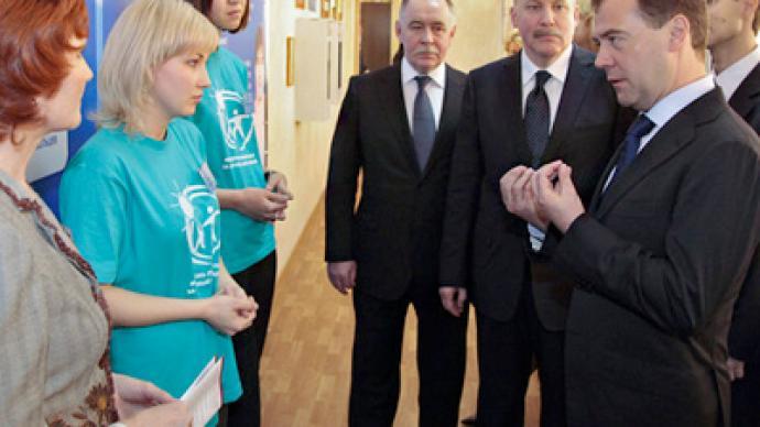 Medvedev wants universal drug tests for schoolchildren