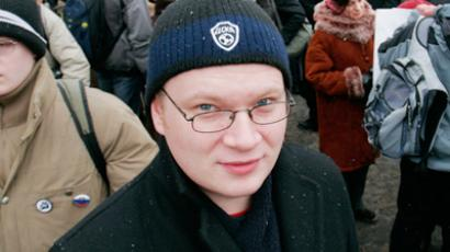 Pro-Kremlin youth group ideologist sues attacked journalist