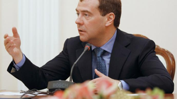 Opposition urges Medvedev to push reforms before departure