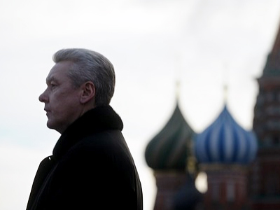Murky maneuvers of Moscow's ex-mayor