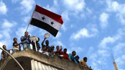 Syrian threat: army defectors or armed militants?