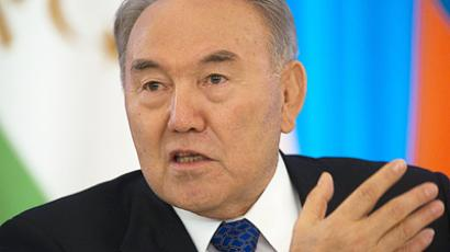 Kazakhstan's parliament opens way to extend Nazarbaev's term of office