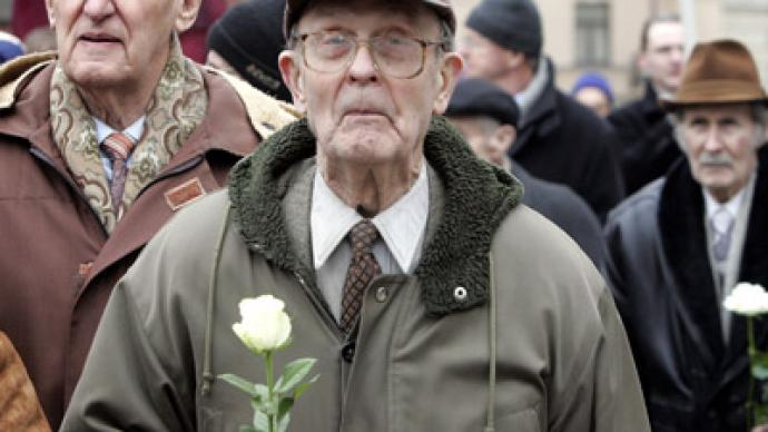 Moscow slams Latvian 'bow' to Nazi veterans
