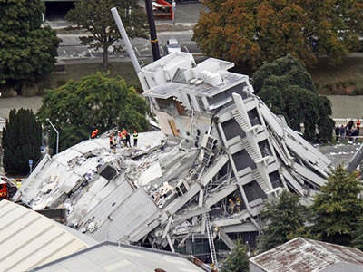 Death toll expected to exceed 10,000 in tsunami-hit Japan