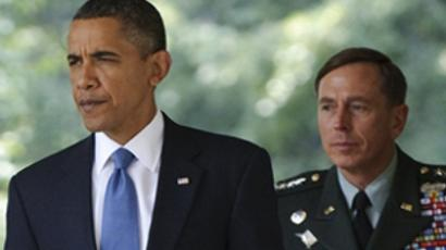 Obama replaces Gen. McChrystal with Gen. Petraeus