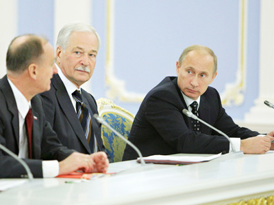 Putin's warning does not stop presidential election talk