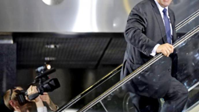 """Komorowski to end """"war on top"""" in Poland"""