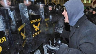 Belarus again detains two Russians over protests