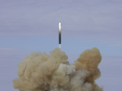 Russia test fires AMD-piercing strategic missile