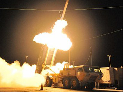 'Fly-by-photo' Iskander missile test-fired