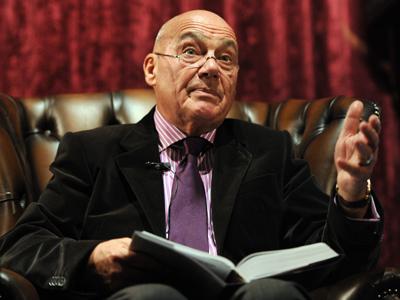 Fool of remorse: Veteran TV anchor retracts Duma insult after ban threat