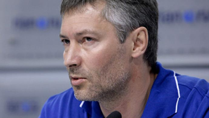 Russian oligarch attracts controversial figure to Right Cause