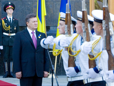 Swinging Ukraine: Russia rejects customs union with EU-looking neighbor