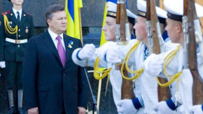 Swinging Ukraine: Russia rejects customs union with EU-looking neighbor