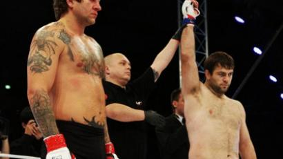 Garner too much for Russia's MMA hopeful (VIDEO)