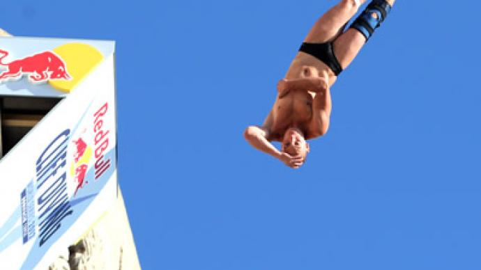 Silchenko back to winning ways in Cliff Diving World Series