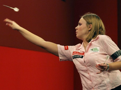 Russian defends darts world crown