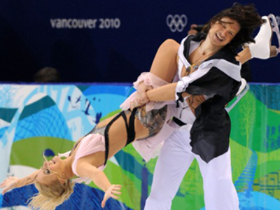 Domnina and Shabalin dance to world championship gold