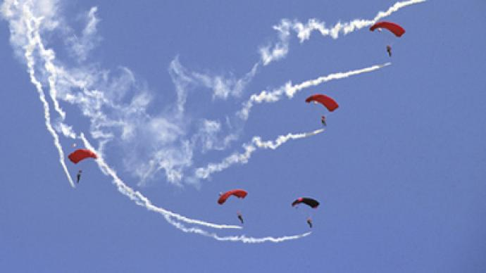 Russian skydivers jump into World Cup training as spring arrives