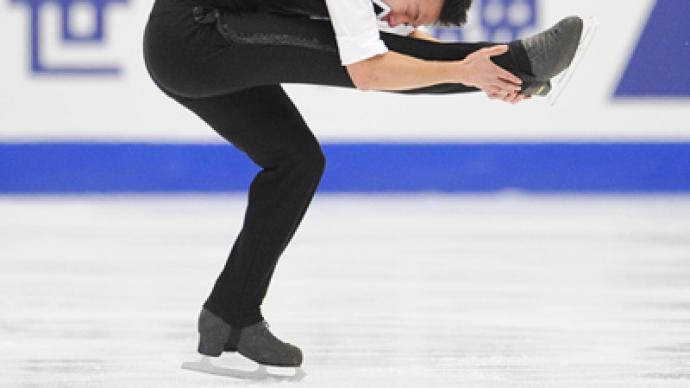 Chan breaks world record to grab men's lead in Moscow